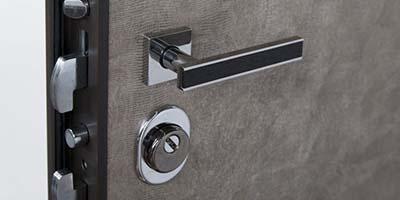 Home scuto serramenti infissi e serramenti catania for Alias blindate